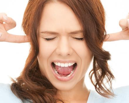 Tinnitus en/of hyperacousis